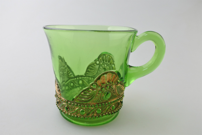 vi-greengoldglass-mug