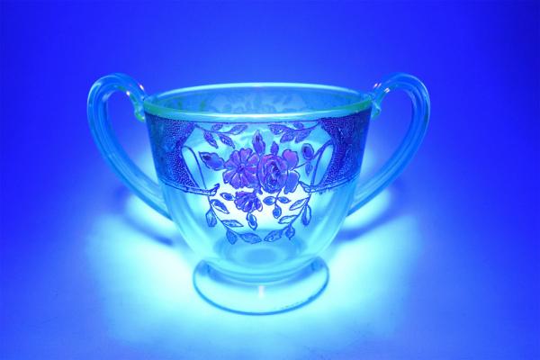 vi-depressionglass-sugarbowl