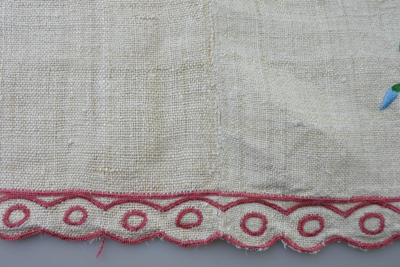vi-fr-embroidered-c