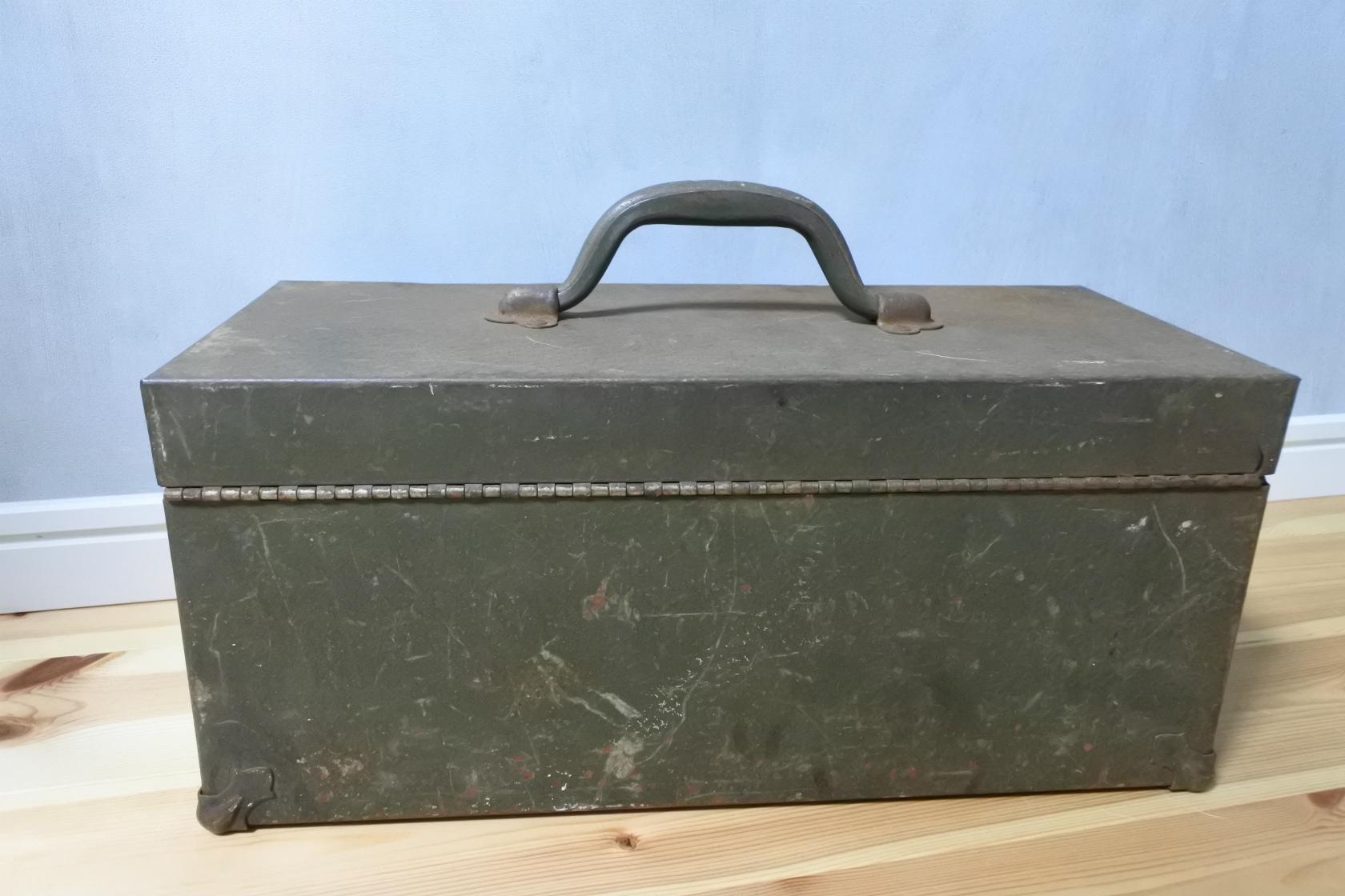 vi-kennedykits-toolbox