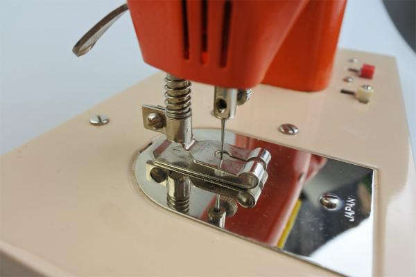 vi-toysewingmachine