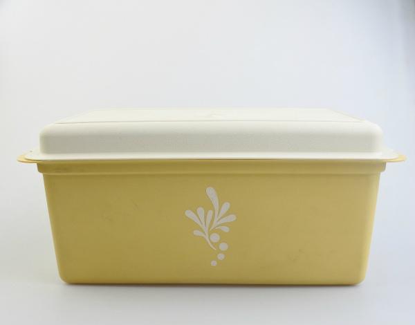 vi-tupperware-breadcase-l