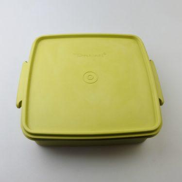 【ビンテージ】日本製Tupperware(タッパーウェア) デュエット M アボカドグリーン ランチボックス 密閉容器