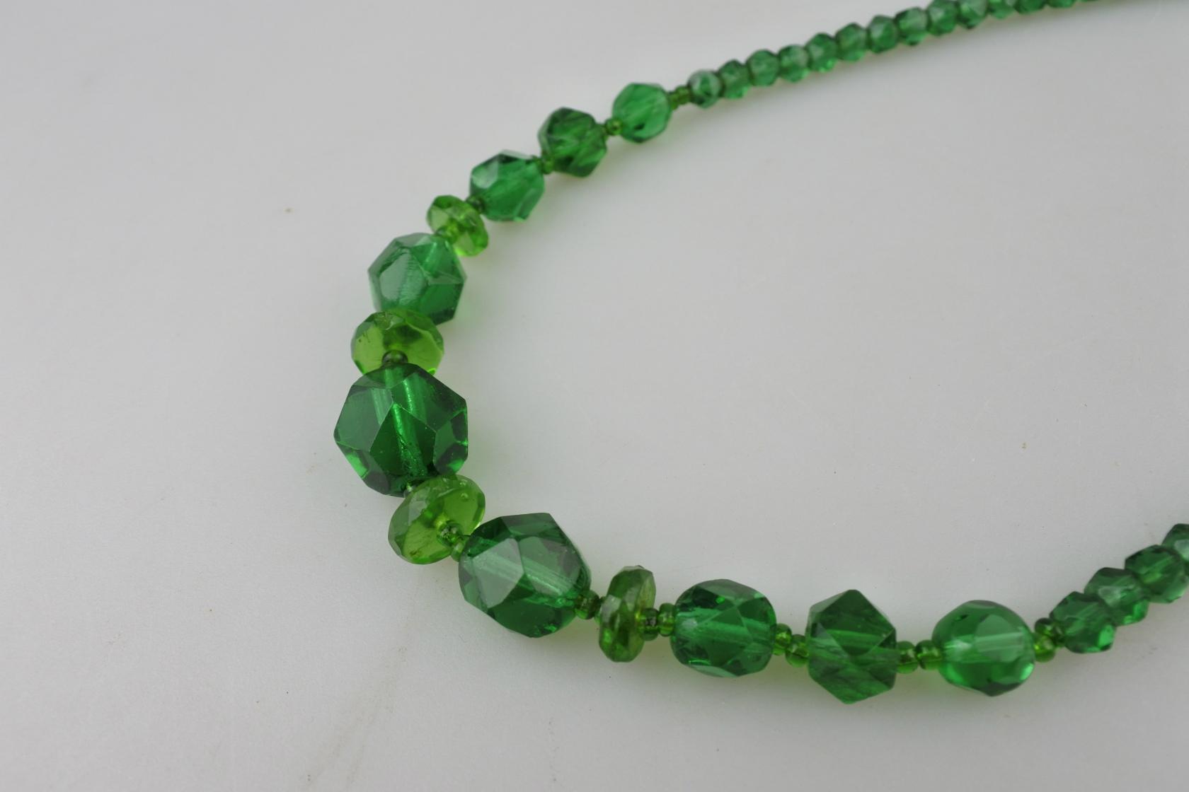 vi-uranium-necklace