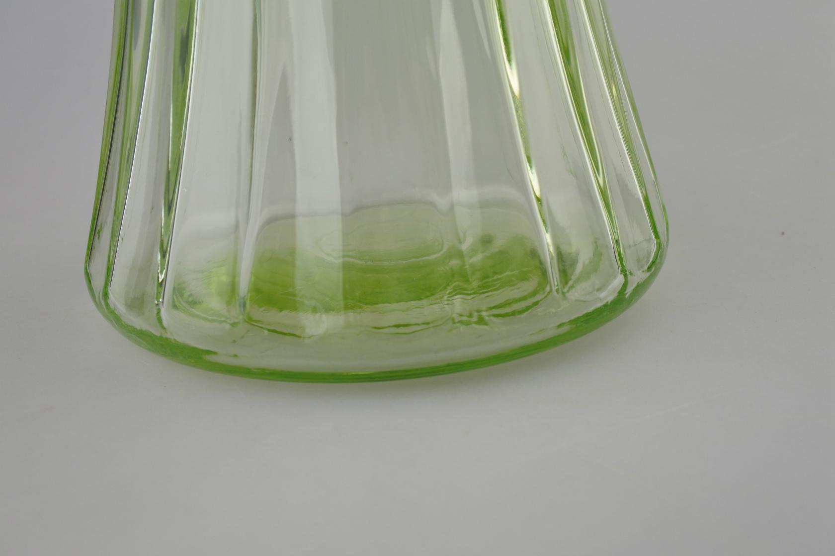 vi-uranium-flowerbase