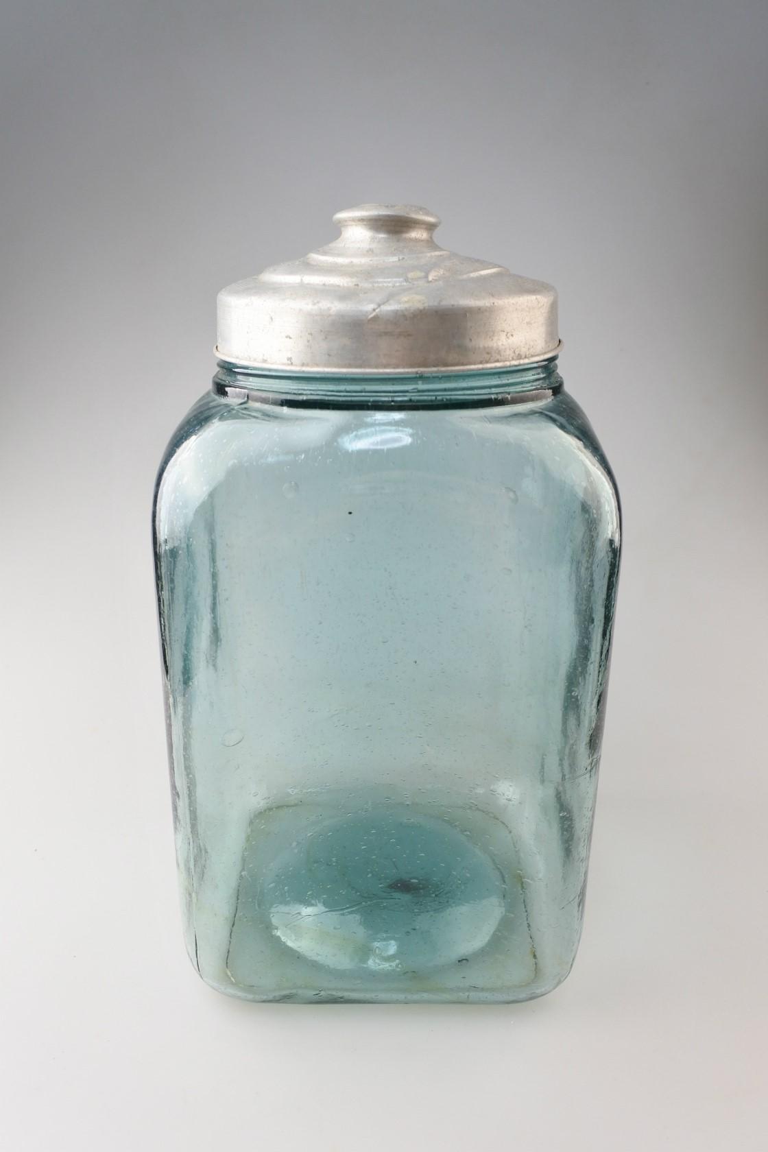 vi-seaweedbottleglass-b